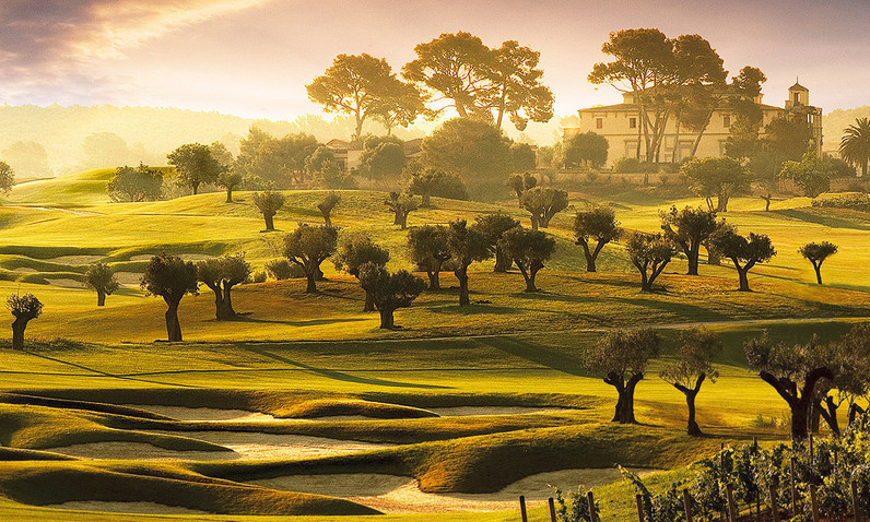 golf-son-gual-mallorca-hole13-palacio.jp
