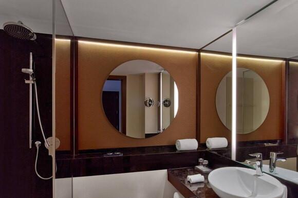 pmisi-bathroom-3453-hor-clsc.jpg