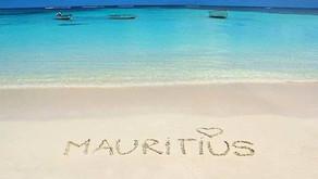 Paradiesisches Mauritius mit kilometerlangen weissen Sandstränden