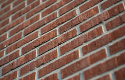 Red-Brick-Wall_Peter-Heeling_Main_550_35