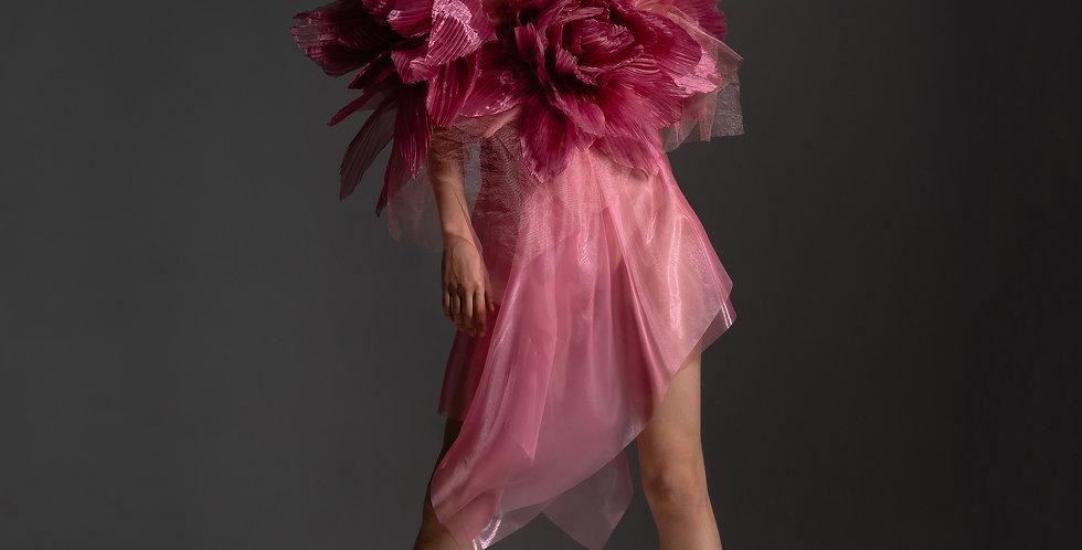 Розовое платье с крупными цветами из органзы