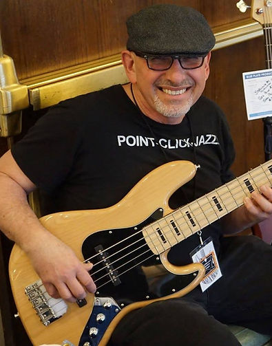 NE-Guitar-Expo-Jazz-Bass2.jpg
