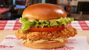 PORTILLO'S SPICES THINGS UP | Hot Dog Giant Launches New Spicy Chicken Sandwich with Signature Sauce