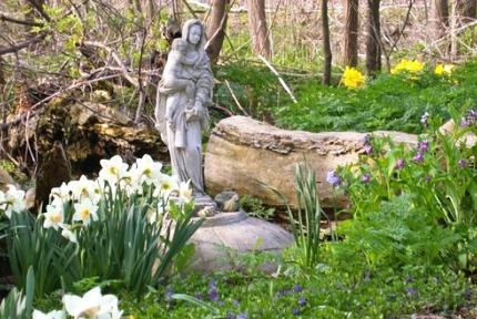 Healing Garden, Glancer Magazine, May 2019