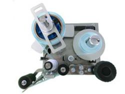 自動ラベル貼り機