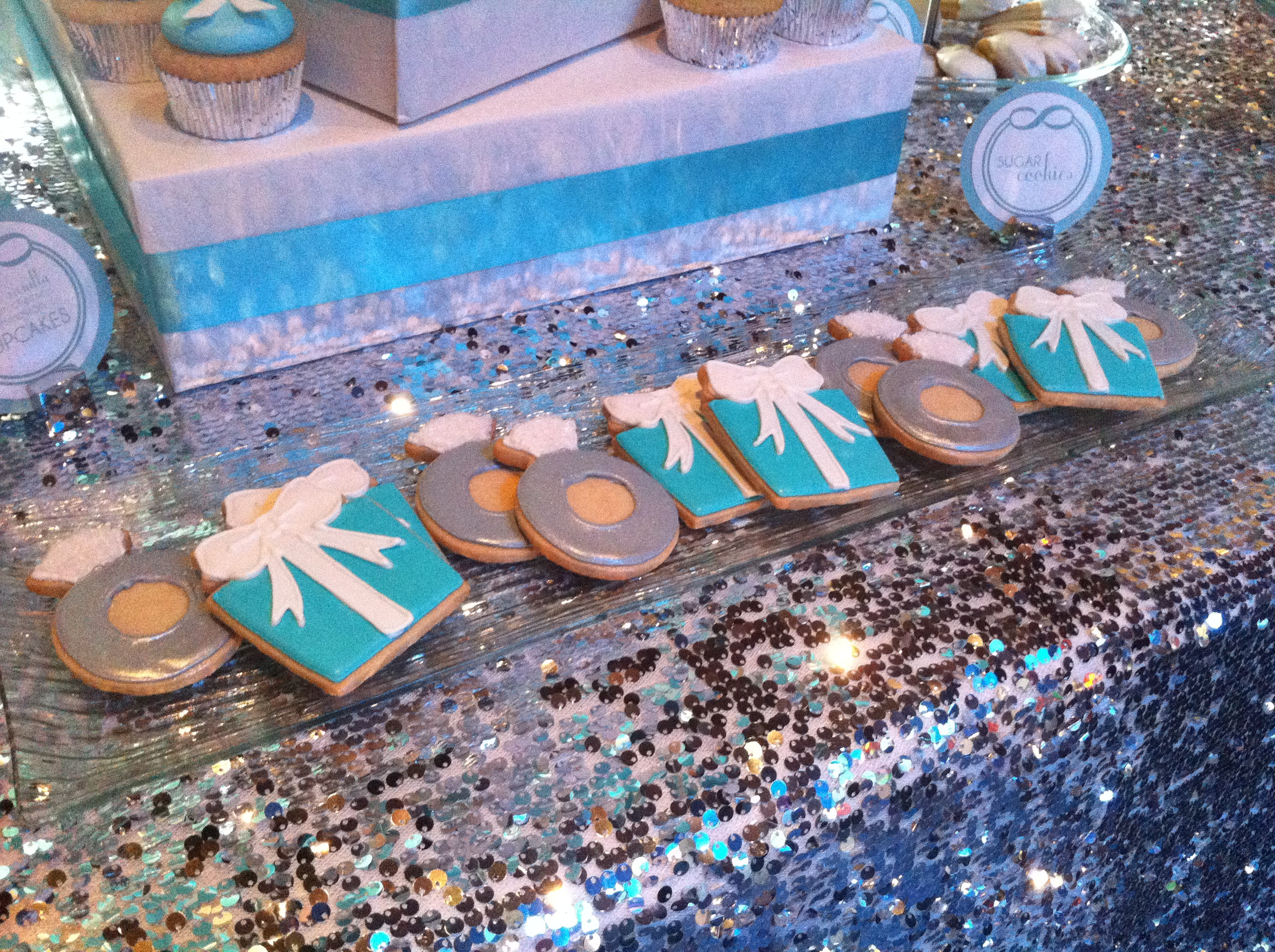 Gift Box & Rings Cookies