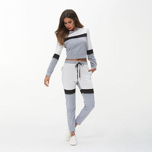 Женские спортивные штаны и капюшон