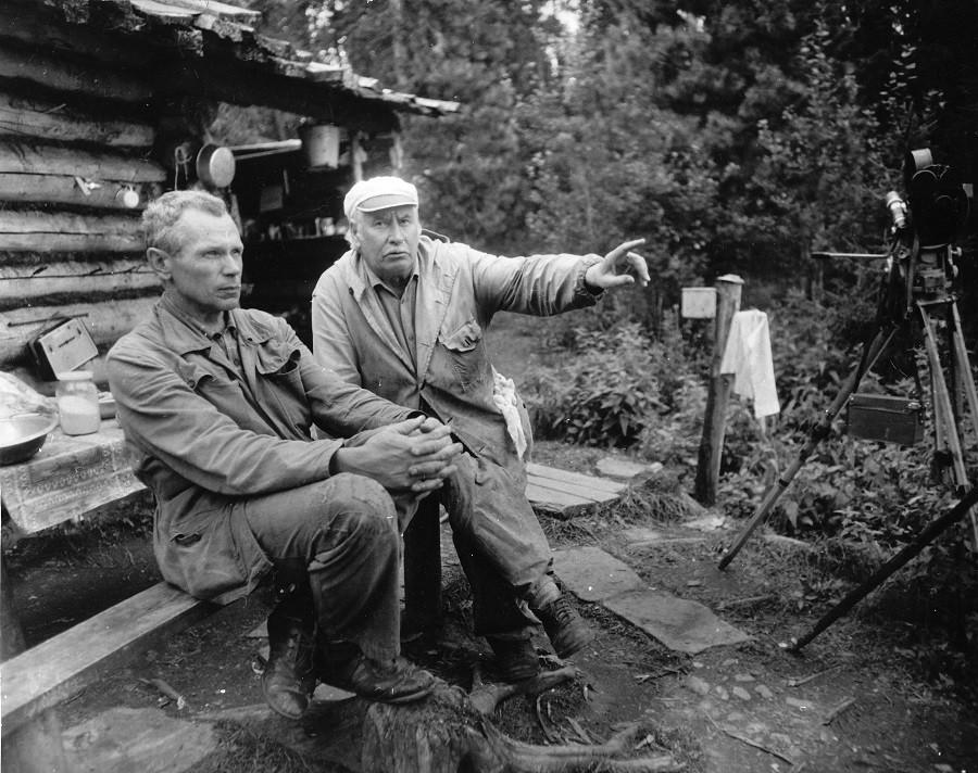 С.М. Сокольский и режиссер Михаил Заплатин на съемках в Печоро-Илычском заповеднике