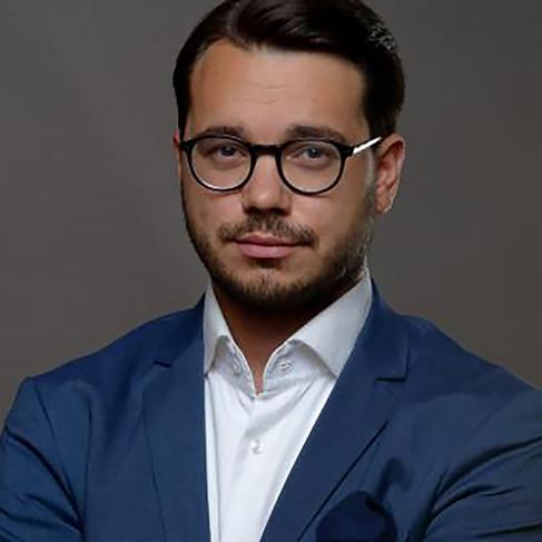 Michael Rozsypal  (moderátor DVTV)