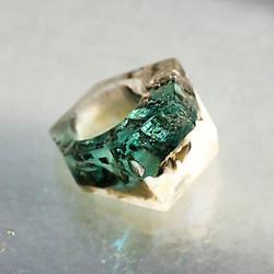 Island glass ring_silver flakes + reactive glasses🔮__ drama_hpfrance__#glassring #silver #pigment