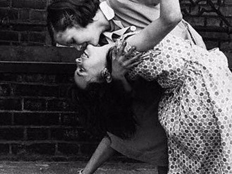 Как проходят занятия по танго у Алёны и Светы