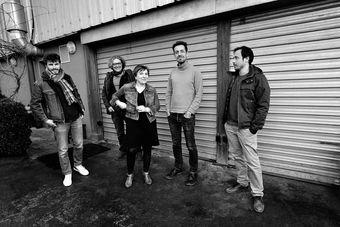 Annie Ebrel & de gauche à droite : Clément Dallot, Jacques-Yves Lafontaine, Ronan Pellen, Daravan Souvanna