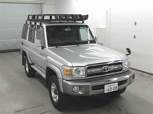 Toyota Land Cruiser 76 2016 год