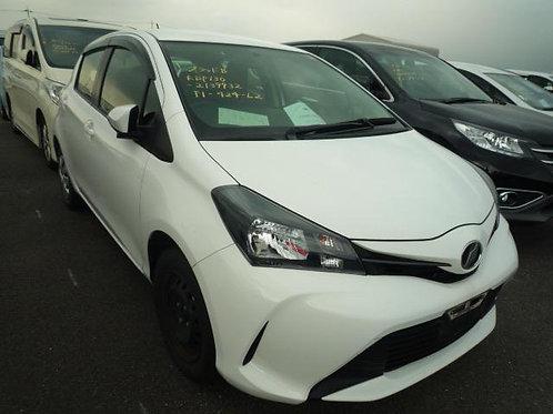 Toyota Vitz KSP130 2015год
