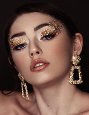 Gold Eyeshadow Makeup Artist Look.jpg