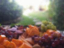 סלסלת פירות אירוח רומנטי קאמי
