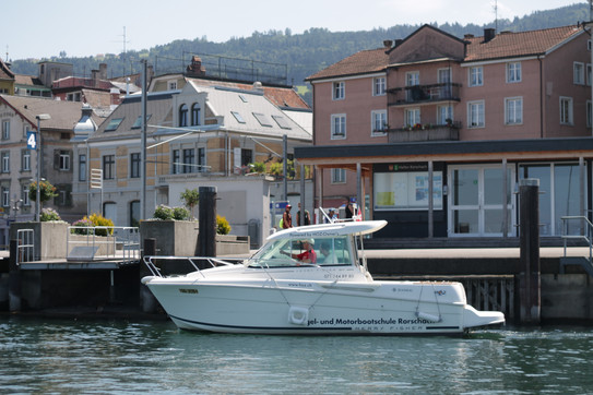 Motorbootschule im Kornhaushafen Rorschach