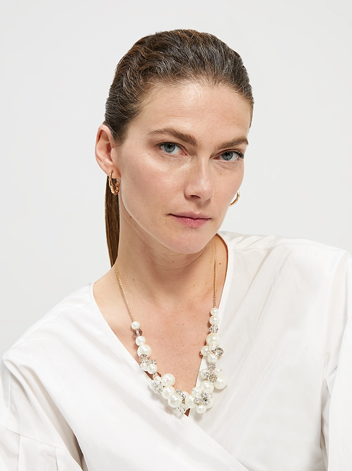 Necklace with boule clusters