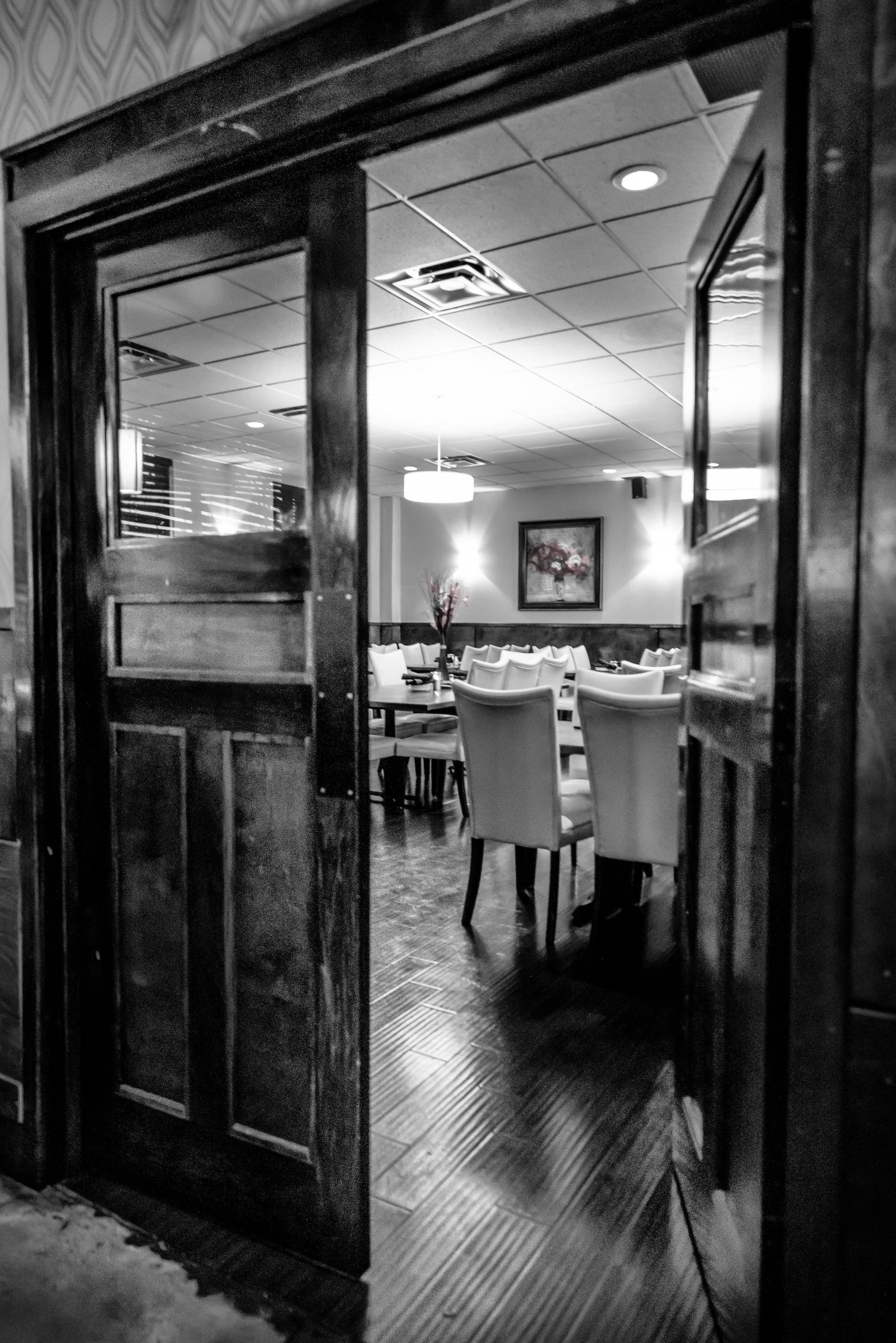 darfons-restaurant-dining-room-4r