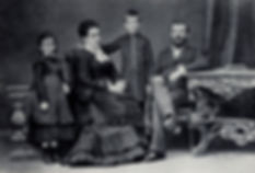 чехов и его семья.jpg