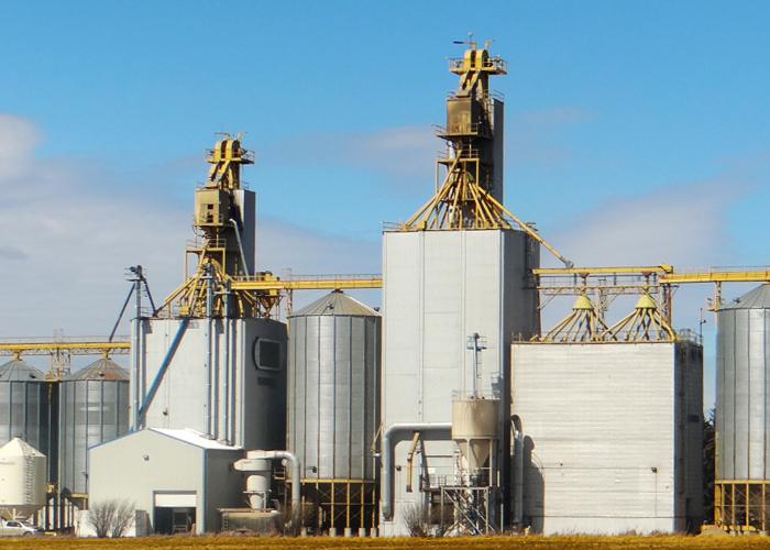 La Riviere Grain Elevator