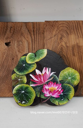 natural wooden wall hanging