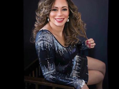 Deyanira Martínez, Conociendo su espíritu emprendedor.