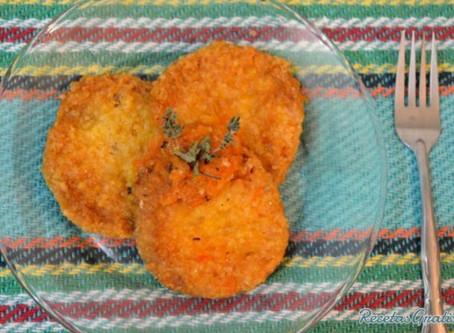 Torta de arroz, hongos y mole