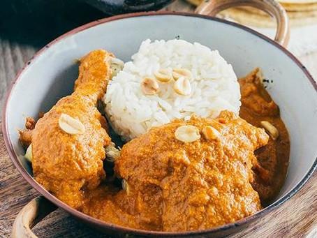 Pollo en Salsa de Cacahuate