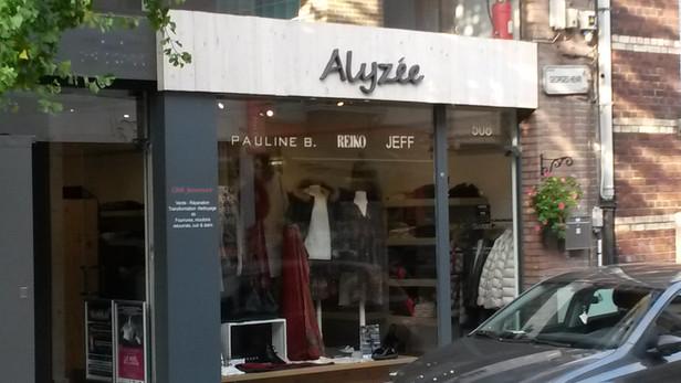 Alyzee 025-min.jpg
