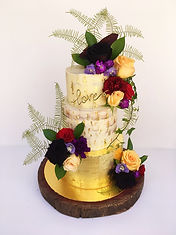 gold wedding cake perth