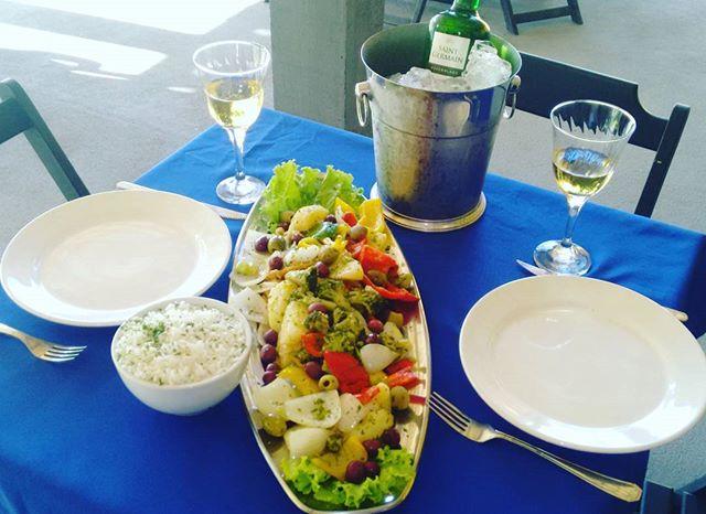Suggestions do chef Bacalhau Porto Ferreira + vinho branco suave Saint Germain 750ml por 99.90 Reais