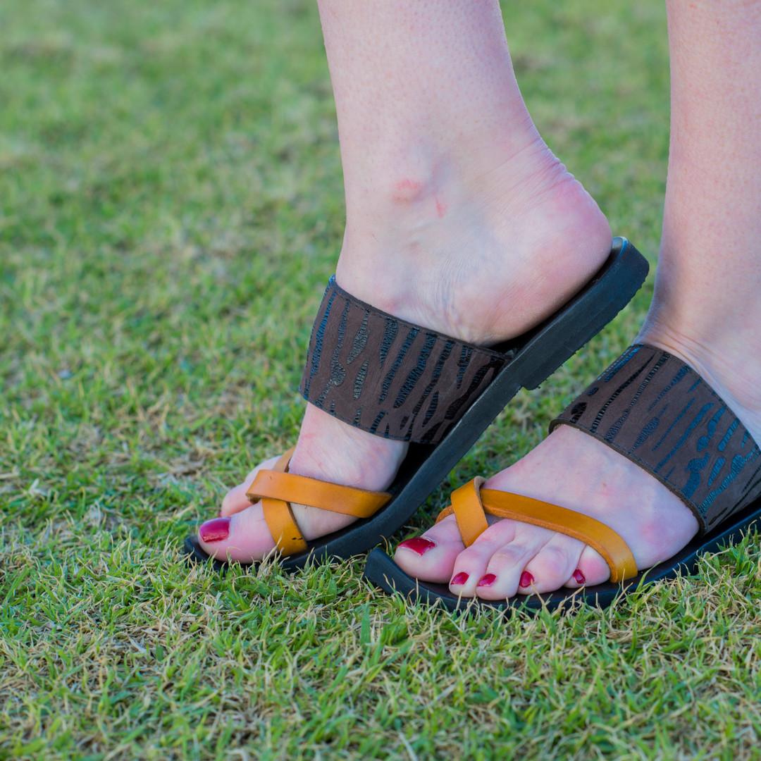 Indian Cross Over Toe Strap Sandal