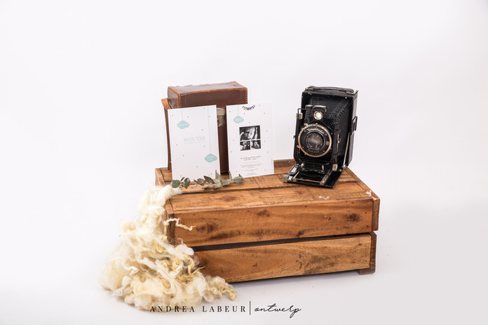 Geboortekaart op maat met zwart-wit foto's en mintgroene details