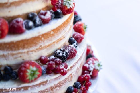 Bruidstaart detail met vruchten