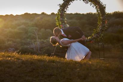Bruidsreportage bij Zonsondergang