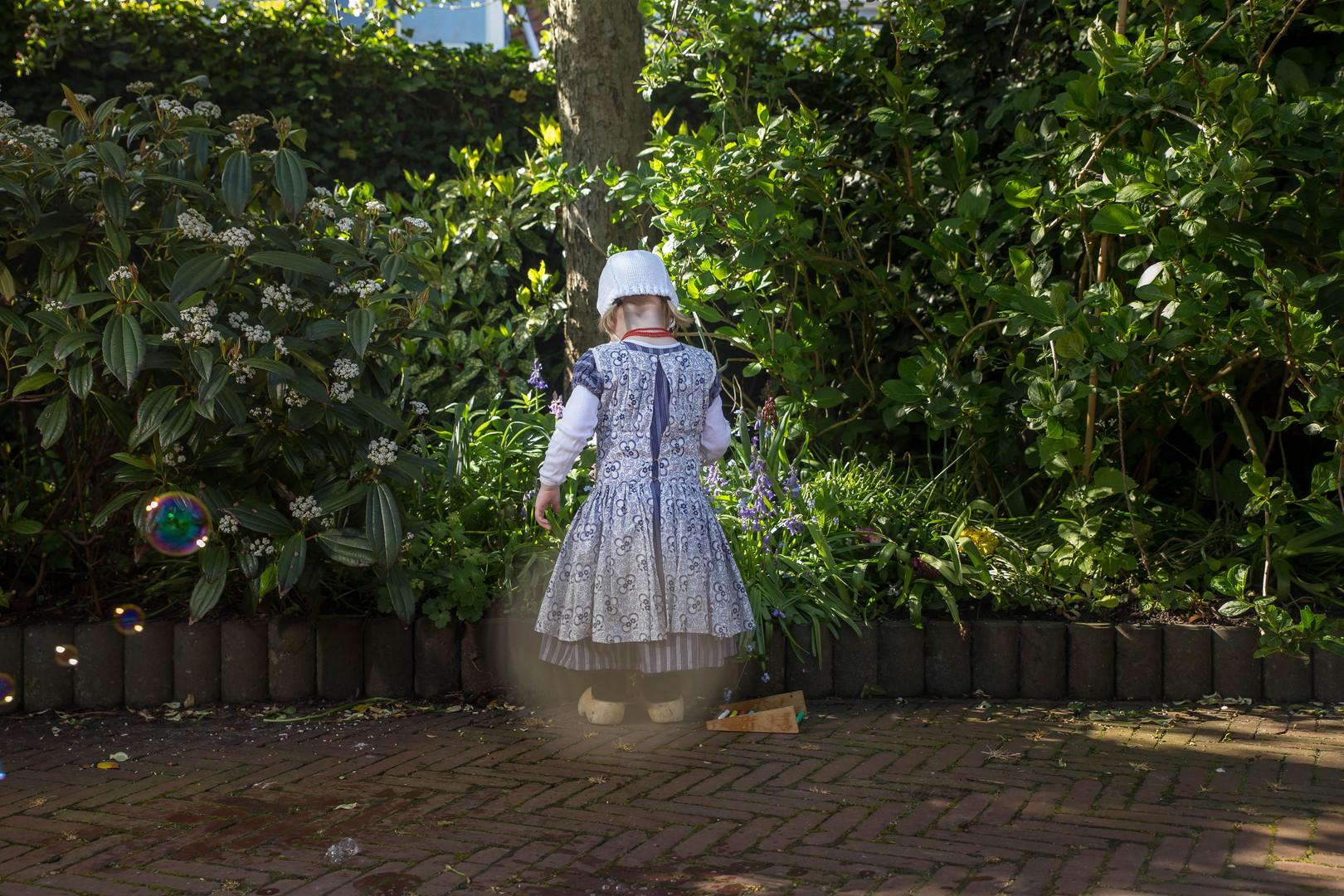 Klederdracht Zeeland meisje