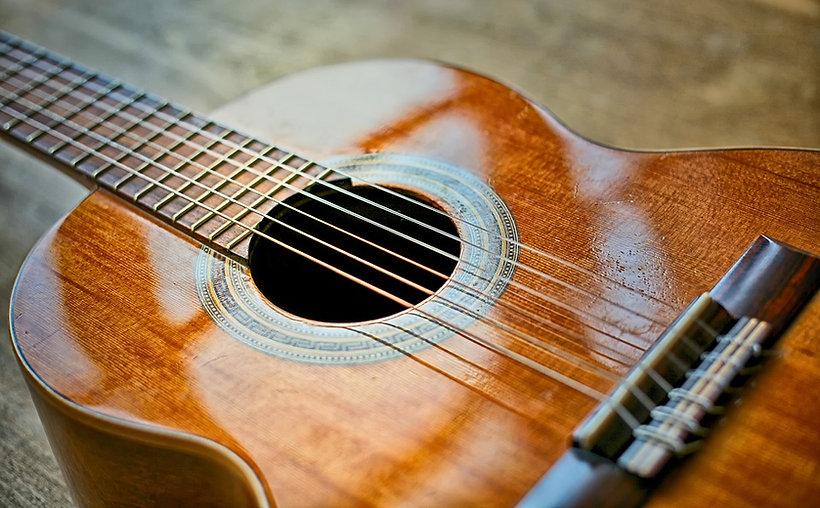 guitarclassic1.jpg