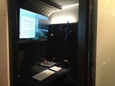 Studiobricks-One-booth-interior