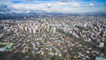 Proyectos de altura revitalizan barrios históricos de Santiago