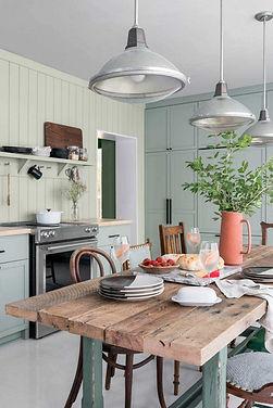 HGTV-oak-farmhouse-table