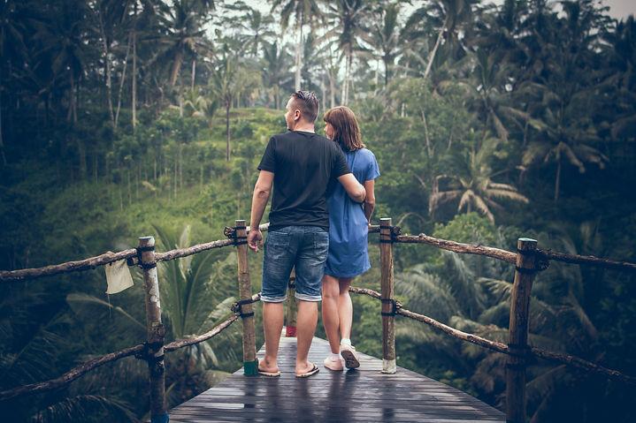 boyfriend-closeness-couple-1132155.jpg