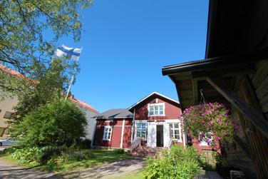 Lauri Guest House and Event Venue | Laurin majoitus- ja juhlatilarakennus