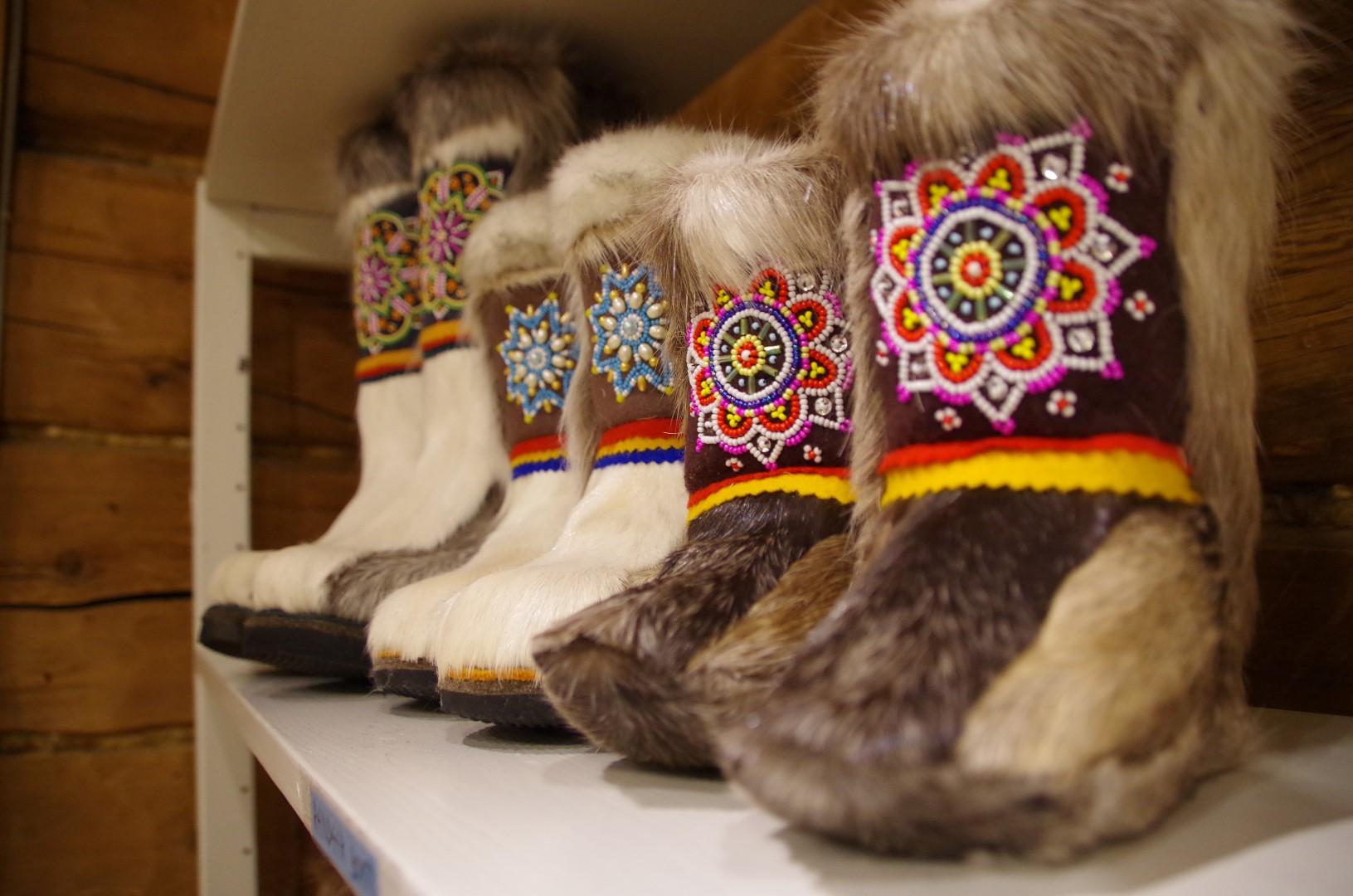 Laurihouse Shop reindeer boots 02