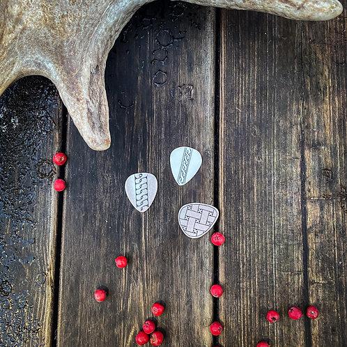 Kitaran plektra kaiverruksella