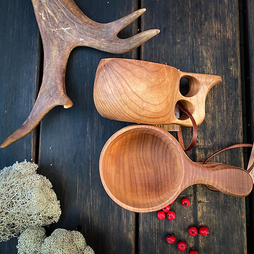 Kuksa cup with double finger holder