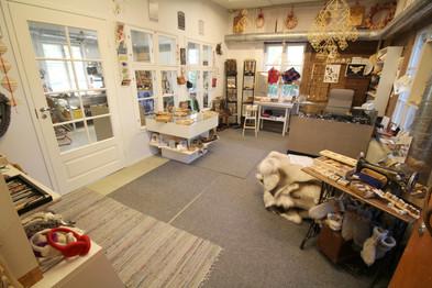 Lauri Handicraft Shop and Atelier