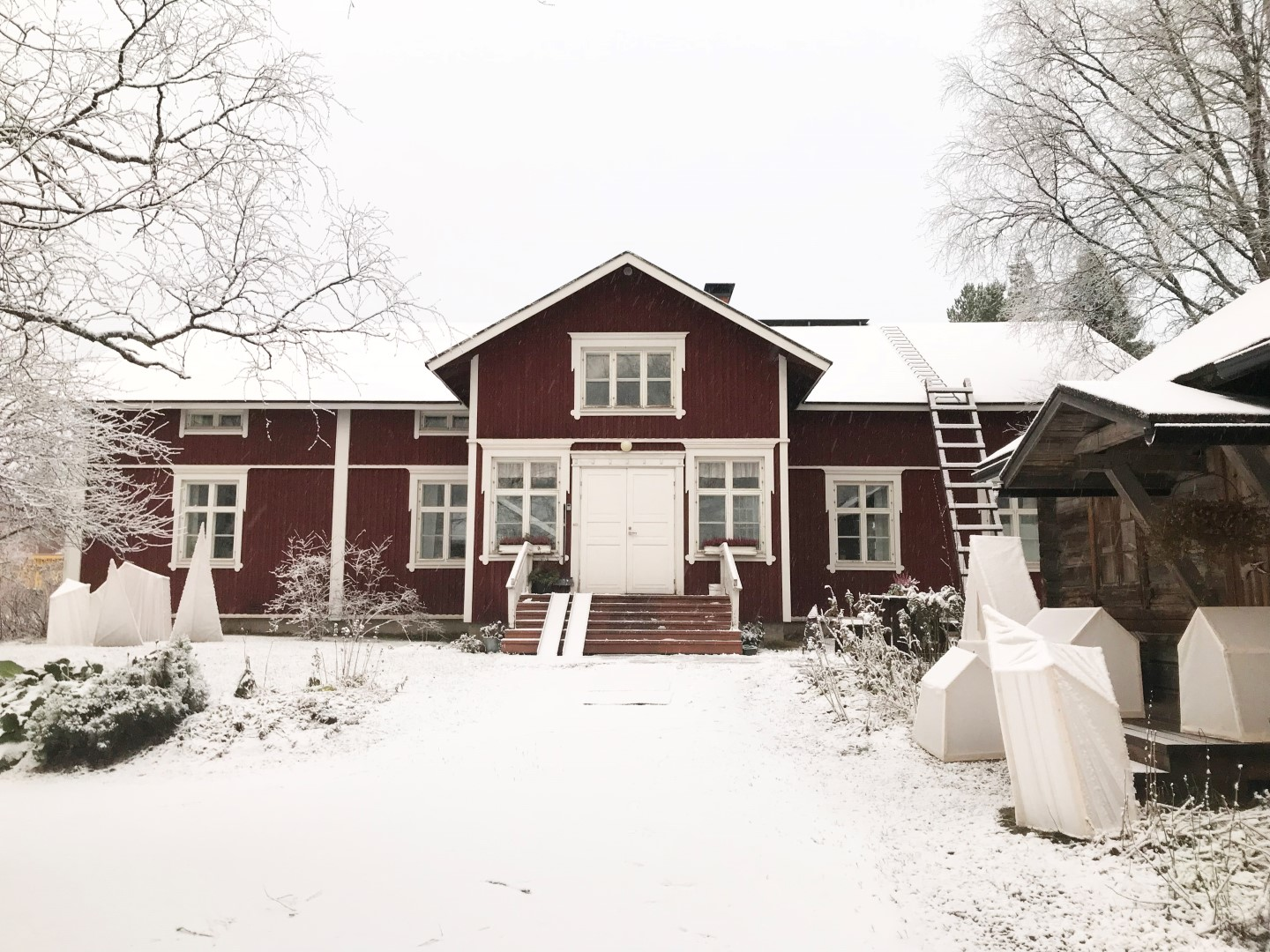 LAURI Guest House & Handicraft Factory Shop Winter