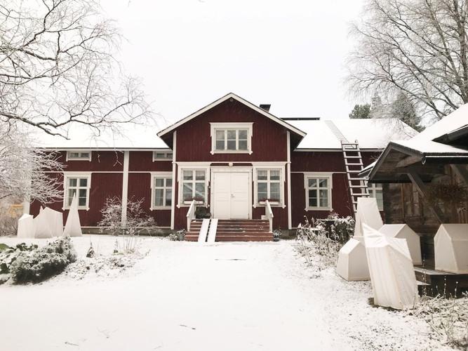laurihouse winter.jpg