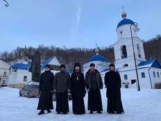 Свияжская братия в гостях в Макарьевском Вознесенском монастыре